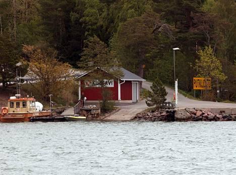 Kustavi on äänestetty usein Suomen parhaaksi mökkikunnaksi.
