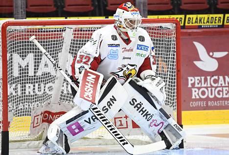 Vaasan Sportin maalivahti Niko Hovinen loisti jääkiekon Liigan ottelussa HIFK:ta vastaan.