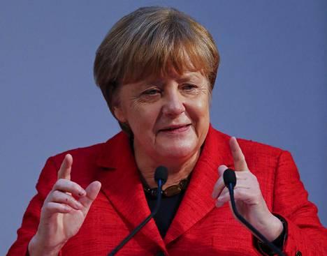 Helsingin yliopiston filosofisen tiedekunnan kunniatohtoriksi vihittävä Angela Merkel ottaa arvonimen vastaan poissaolevana.