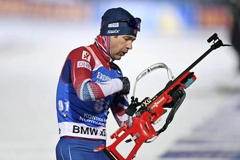 Ole Einar Bjørndalen kilpaili ampumahiihdon maailmacupissa maaliskuussa Kontiolahdella.