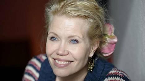 Sopraano Helena Juntunen kantaesitti Otto Virtasen laulusarjan RSO:n striimauskonsertissa.