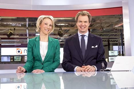 Maija Lehmusvirta ja Peter Nyman ovat MTV3:n pitkäaikaisia uutisankkureita.