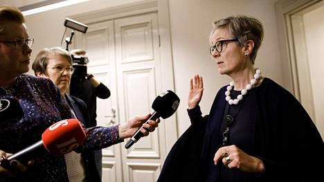 Valtakunnansovittelija Vuokko Piekkala kertoi postilakon neuvottelutilanteesta valtakunnansovittelijan toimistolla Helsingissä sunnuntaina.
