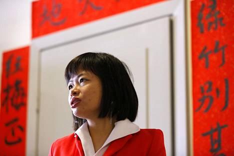 Helsingin Konfutse-instituutin johtaja Julie Chen.