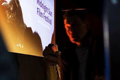 Sodankylän filmifestivaalien ensimmäisenä iltana Kent Jonesin dokumenttielokuva on juuri päättynyt.
