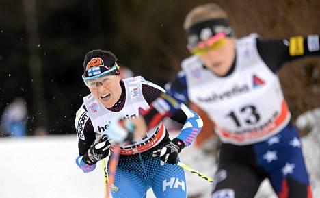 Aino-Kaisa Saarinen sanoi tunteneesa itsensä alppihiihtäjäksi liukkaalla suksella.