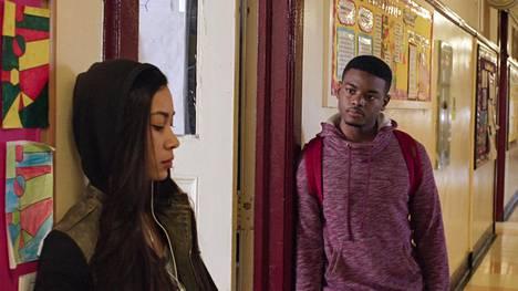 Dominikaanisessa tasavallassa syntynyt Sophie (Octavia Chavez-Richmond) ja guinealaistaustainen Moussa (J. Mallory McCree) yrittävät saada laillisen oleskeluluvan Yhdysvalloista, missä he ovat asuneet pienestä pitäen.