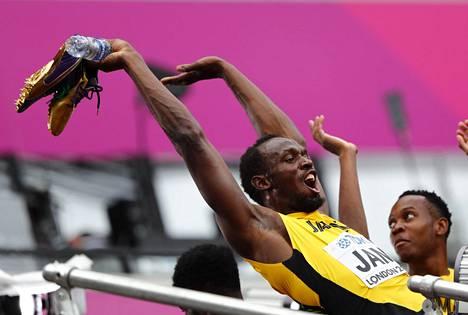 Usain Bolt sanoo saavansa energiaa Lontoon MM-kisojen yleisöstä.