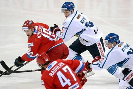 Venäjä vei peliä toisen erän alkuun saakka, mutta sitten Suomi heräsi.