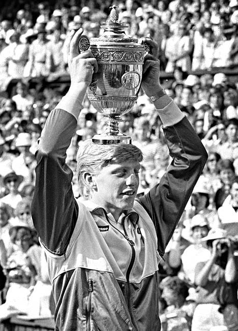 Boris Becker Wimbledonissa 1985.