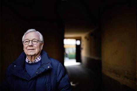 """""""Euro ja jäsenyys Euroopan keskuspankissa ovat vakauttaneet ja luoneet ennalta-arvattavampia olosuhteita Suomelle"""", Suomen Pankin johtokunnassa toiminut Matti Louekoski sanoo."""