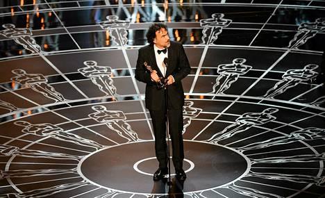 Parhaaksi elokuvaksi valitun Birdmanin ohjaaja Alejandro González Iñárritu piti palkintopuheen Oscar-gaalassa Hollywoodissa maanantain vastaisena yönä Suomen aikaa.