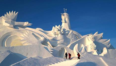 Suuren maailman mallia Kiinasta: lumiveistos Harbinin kansainvälisessä lumenveistokilpailussa joulukuussa 2019.