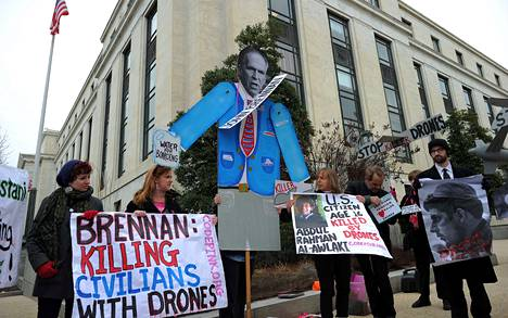 Rauhanpuolustajat osoittivat mieltään tiedustelupalvelu CIA:n johtajaksi nimitettyä John Brennania vastaan Washingtonissa torstaina.