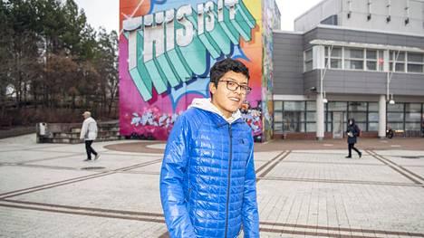 Argentiinasta kotoisin oleva Juan Alfaro lenkkeilee kotikaupungissaan Vantaalla, mutta lähtee aina kun pystyy Helsinkiin.