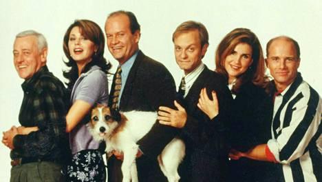 Komediasarja Frasieria esitettiin Yhdysvalloissa alun perin yksitoista tuontantokautta vuosina 1993–2004. John Mahoney, Jane Leeves, Kelsey Grammer, David Hyde Pierce, Peri Gilpin, Dan Butler ja koirana Moose. 1997.
