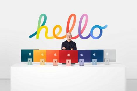 Applen toimitusjohtaja Tim Cook esitteli uusia Imac-koneita yhtiön julkaisemassa mainosvideossa.