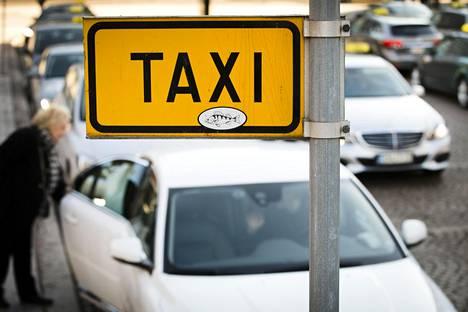Heinäkuusta alkaen taksia saa ajaa periaatteessa millä tahansa autolla.