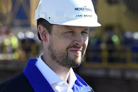 Saksalainen toimitusjohtaja Jan Meyer johtaa Turussa sukunsa nimeä kantavaa telakkaa.