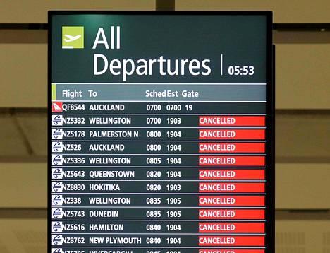 Peruttujen lähtevien lentojen listaa Christchurchin lentoasemalla Uudessa-Seelannissa 8. huhtikuuta.