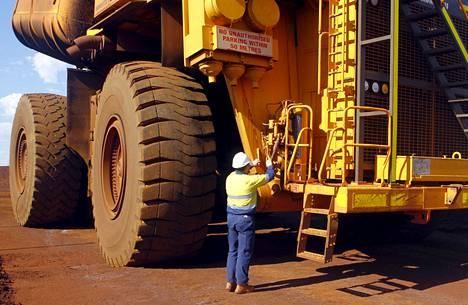 Raaka-ainetuotanto on yksi Australian talousmenestyksen tae. Kuva Christmas Creekin rautakaivokselta vuodelta 2015