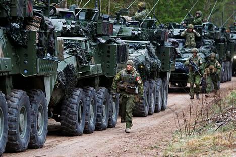 Kanadalaisten Nato-joukkoja sotaharjoituksessa Latviassa huhtikuussa.