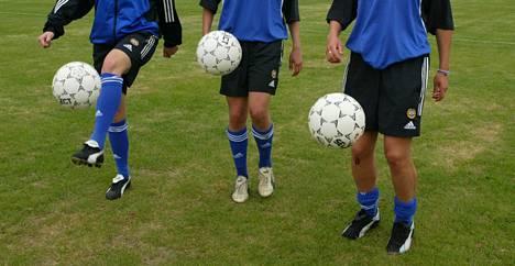 Naisten jalkapallomaajoukkueessa on ilmennyt seksuaalista häirintää 1990-luvulta vuoteen 2008 asti. Kuvan pelaajat eivät liity aiheeseen.