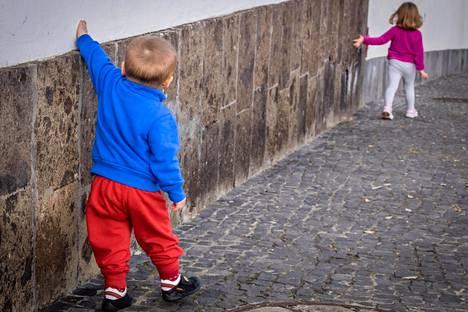 Sisarusten ei kannata tehdä lapsia keskenään.