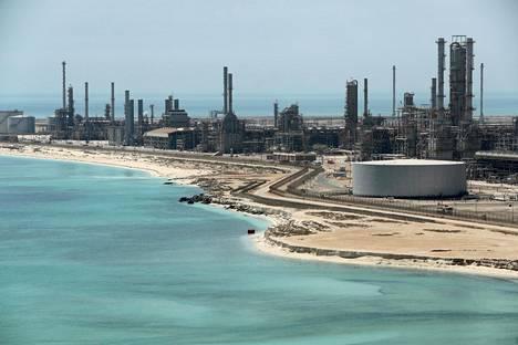 Lauantaina lennokit hyökkäsivät Saudi-Arabiassa kahteen öljynjalostuslaitokseen.