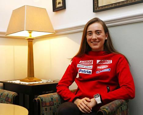 Jenny Fellman valmistautui ensimmäiseen kisaan ampumahiihdon maailmancupissa Suomen joukkueen majapaikassa Bledissä.