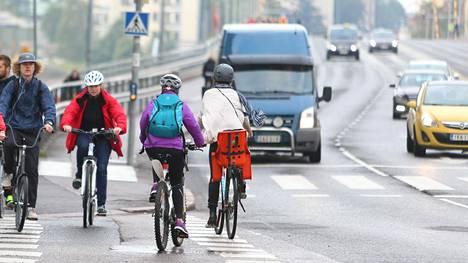 Pyöräilijöitä ei pidetä liikenteen kohteliaimpana ryhmänä.