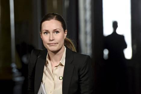 Liikenne- ja viestintäministeri Sanna Marinin mukaan raideinvestointeihin on suhtauduttu liian optimistisesti.