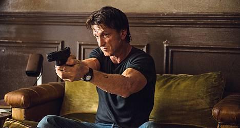 Sean Penn esittää pääosaa The Gunmanissa.