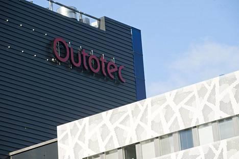 Espoossa päämajaansa pitävän Outotecin osakekurssi valahti viime viikon perjantaina reippaasti.