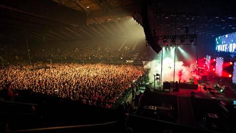 Nightwish esiintyi joulukuussa 2015 Lontoon Wembley-areenalla. Nightwish on suosituimpia suomalaisyhtyeitä ulkomailla.