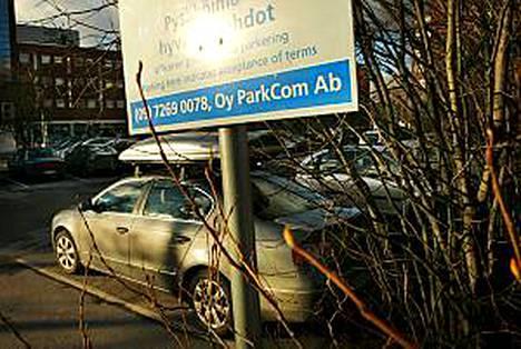 Liikennepoliisi vaatii yksityisen pysäköintisakottamisen lopettamista