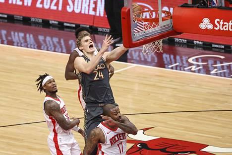 Lauri Markkanen teki 18 pistettä, kun Chicago Bulls voitti Houston Rocketsin.