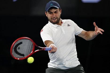 Venäläisen Aslan Karatsevin turnaus Australian avoimissa päättyi välierätappioon turnauksen voittaneelle Novak Djokovićille.