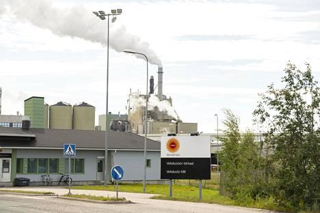 Stora Enson Veitsiluodon tehdas kuvattuna viime kesänä.