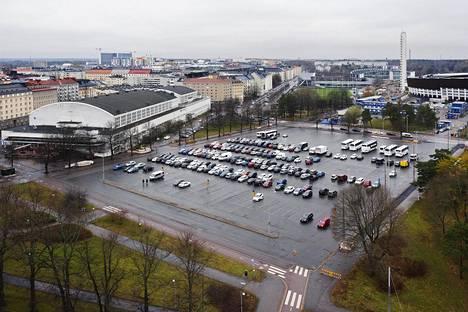 Kisahallin, Olympiastadionin ja Kansallisoopperan keskellä Helsingin Taka-Töölössä on tällä hetkellä laaja pysäköintialue.