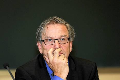 Olympiakomitean puheenjohtajan Risto Niemisen mukaan Fifa tarvitsee nyt erittäin taitavaa puheenjohtajaa.
