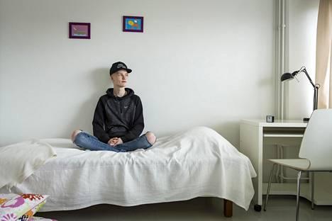 Miko Hänninen ei päässyt aiemmin aamuisin sängystä ylös. Siitä kärsi sekä koulu että perhe-elämä.