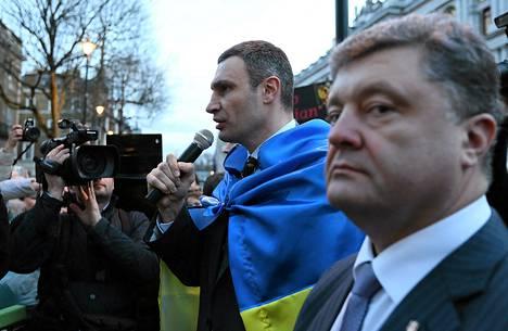 Vitali Klitško ja Petro Porošenko vierailivat Lontoossa David Cameronin vieraana keskiviikkona.