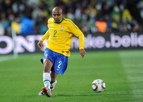 Brasilialainen Maicon teki yhden seitsemästä maajoukkuemaalistaan vuoden 2010 MM-kisojen ottelussa Pohjois-Koreaa vastaan.