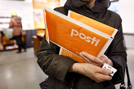 HS kertoi jo aiemmin, että hallitus on harkinnut Postin pilkkomista.