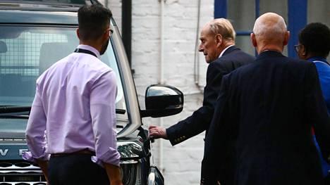 Prinssi Philip poistui sairaalasta jouluaattona Lontoossa.