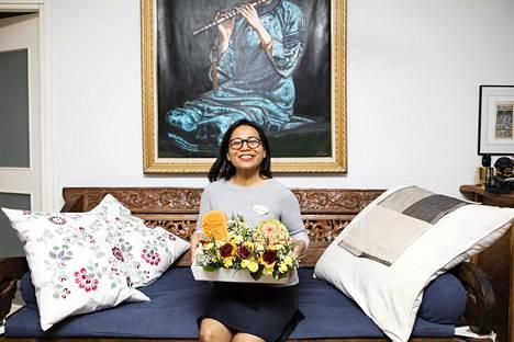 Nittiya Kosan asuntoon valmistuu päivittän uusia hedelmäasetelmia.