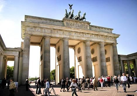 Kilpailun palkintona oli ilmainen lento Berliiniin ja asunto vuodeksi. Kuvassa Berliinin Brandenburgin portti