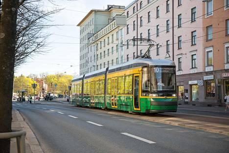 Raitiovaunuissa kokeillaan pysäkkikuulutuksia Helsingissä.