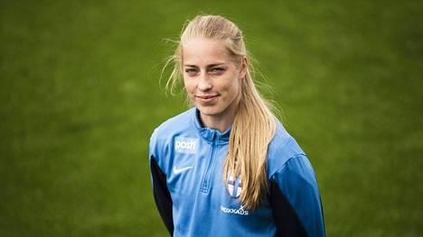 Lindsa Sällström jatkaa uraansa Paris FC:ssä.